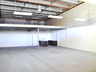 Warehouse/Showroom/Office Unit - Slacks Creek