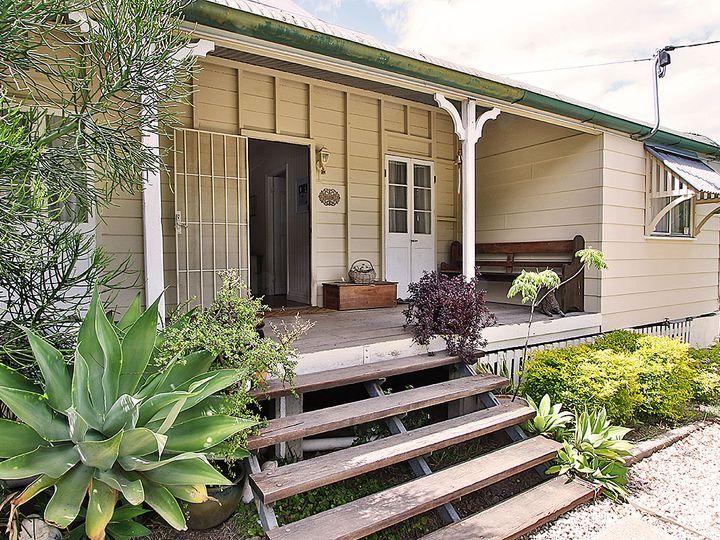 108 Aspinall Street, Leichhardt, QLD