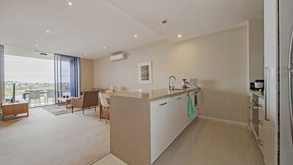 4097/37C Harbour Road, Hamilton