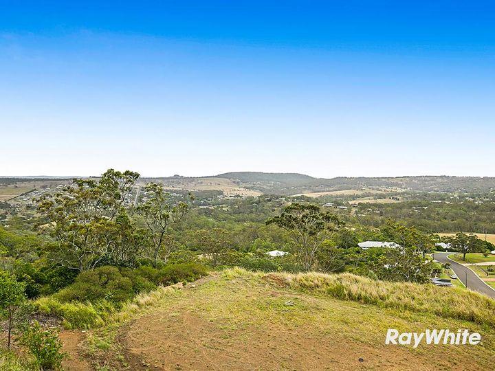 12 Panoramic Drive, Preston, QLD