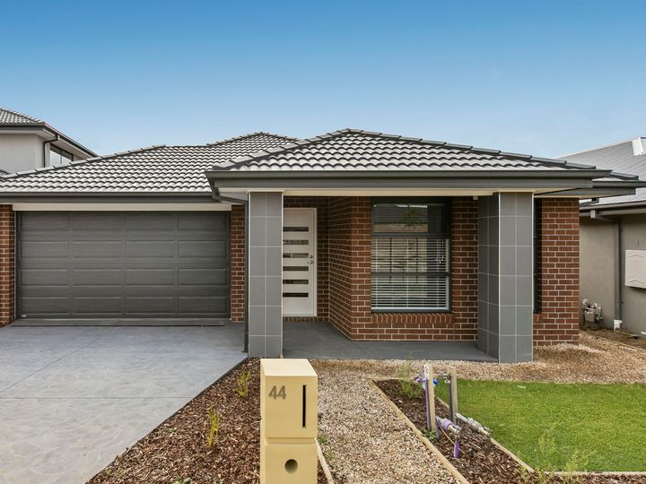 44 Pamplona Way, Clyde North, VIC