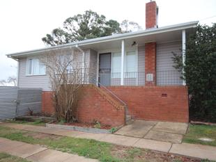 Fully self contained three bedroom home - Oberon