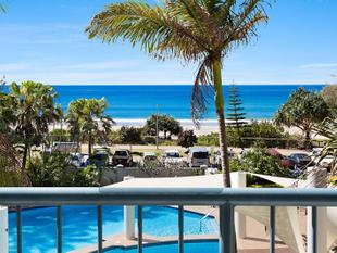 Highly Desired Centre Unit at Oceana On Broadbeach - Broadbeach