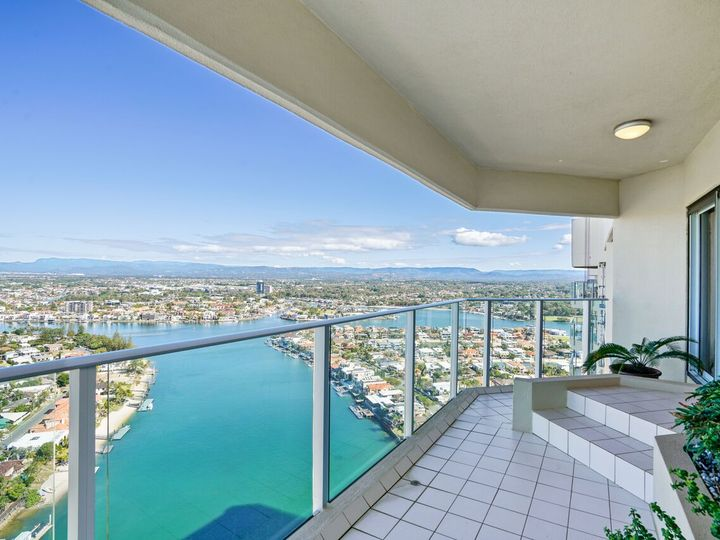 180/2 Admiralty Drive, Surfers Paradise, QLD