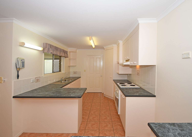 13 Chantilly Street, Urangan, QLD 4655