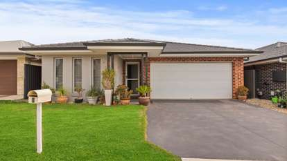 8 Riberry Street, Gregory Hills