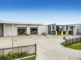 IMMACULATE FREESTANDING OFFICE/WAREHOUSE - Hemmant