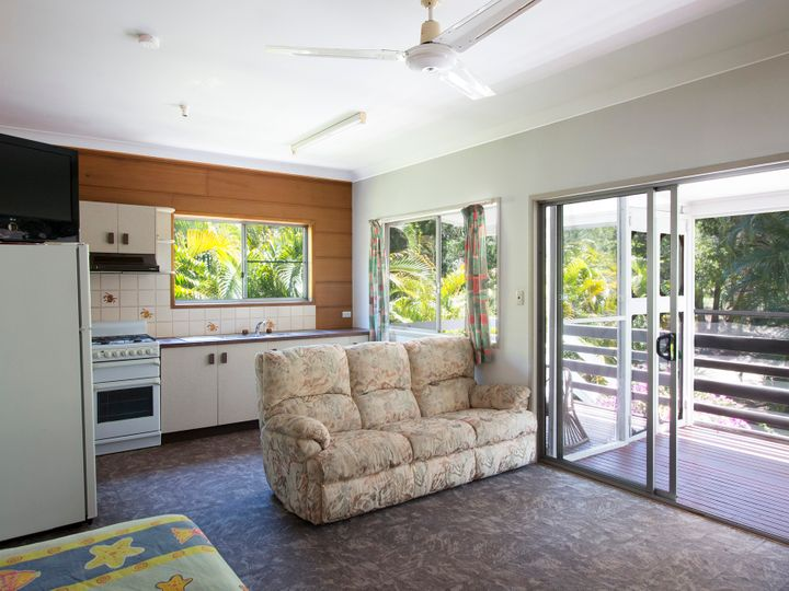 109 The Strand, Bulwer, QLD