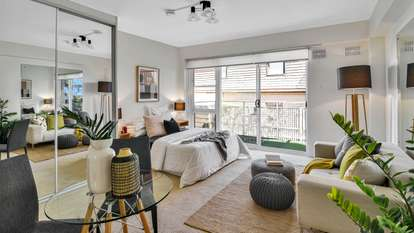 14/17 East Crescent Street, McMahons Point