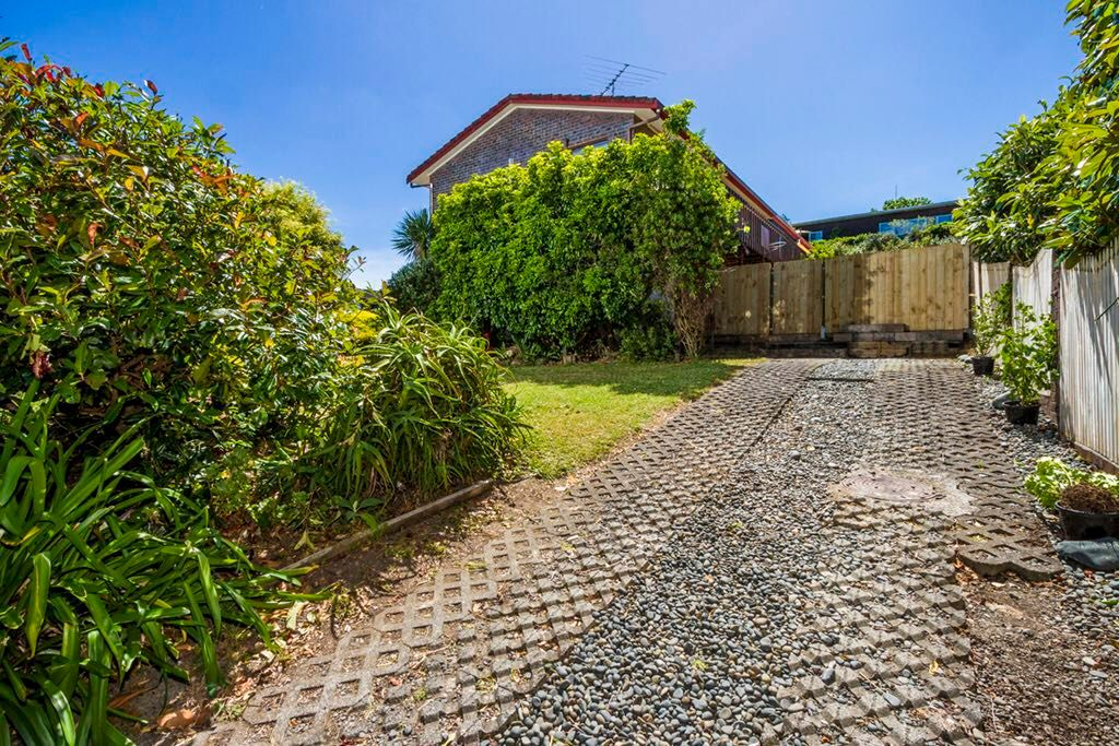 2 Stapleford Crescent Browns Bay