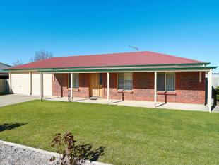 A Neat Package in a Great Location - Strathalbyn