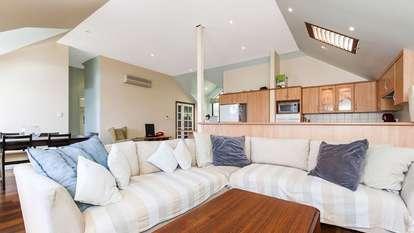18 Sholl Lane, North Perth