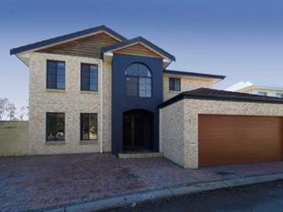 Ascot Waters Grand Double Storey Home - FOR SALE BY PUBLIC AUCTION - Ascot