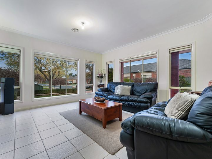 23 Kings Glen, Craigieburn, VIC