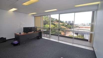 Suite 4 28 Hamilton Street, Townsville City