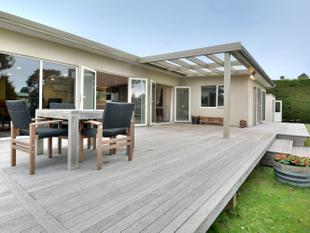 Private Sunny Oasis in Taieri Beach - Brighton