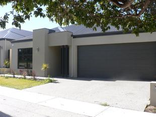 LOOK AT THIS!!!!    MASSIVE PRICE REDUCTION!!!   NOW FR $699K        OPEN SAT&SUN 12.00- 12.30PM - Yokine