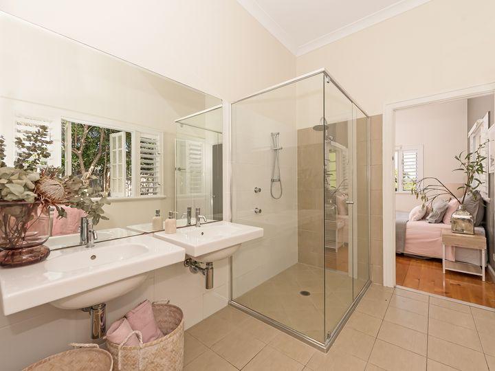 11 Whyte Street, Hermit Park, QLD