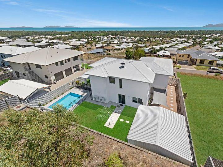 13 Cashell Crescent, Bushland Beach, QLD