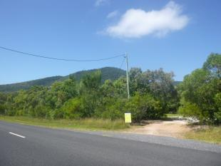 House, in-town, on 1.25 acres - Cooktown
