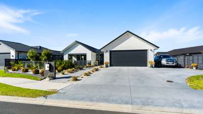 79 Stace Hopper Drive, One Tree Point