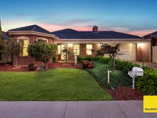 Custom Built Masterpiece With Granny Flat On 831Sqm - Tarneit