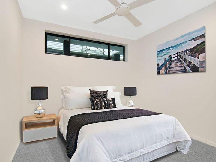 2 /52 Ludwick Street, Cannon Hill, QLD