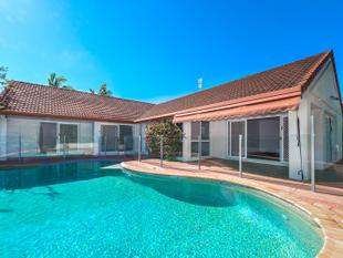 SUPERB 5 BEDROOM HOME LOCATED IN QUIET SOUGHT AFTER STREET - ROBINA! - Robina