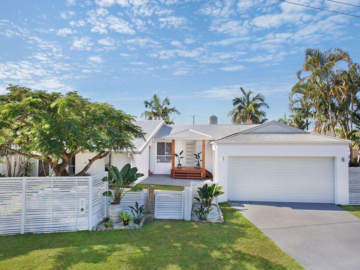 7 Maitland Street, Burleigh Waters, QLD
