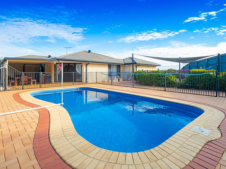 7 Flordagold Place, Heritage Park, QLD