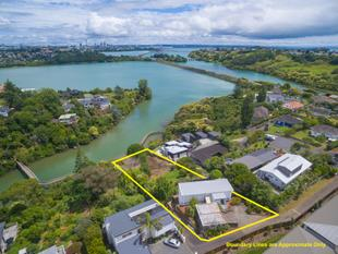 Let Your Imagination Run Wild on 2231m2 Site. - Meadowbank
