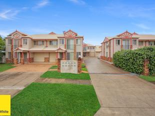 THE CHEAPEST THREE BEDROOM IN OXLEY! - Oxley