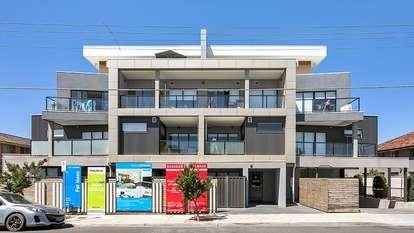 201/699B Barkly Street, West Footscray