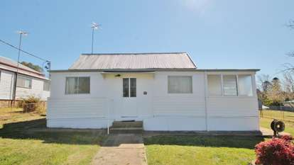 13 Yass Street, Young