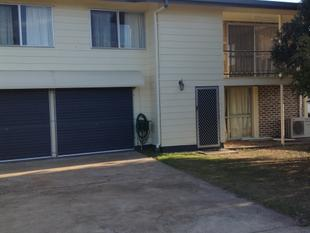 Large fully fenced Yard , Highset Home - Maryborough