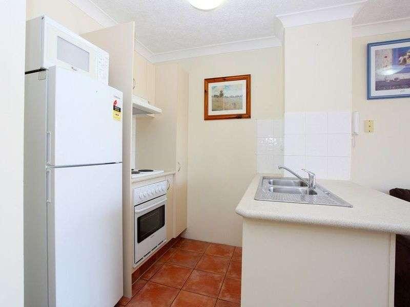 25/33 Lenneberg Street, Southport, QLD 4215
