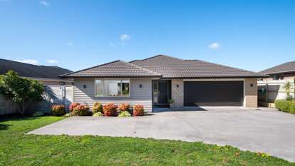 12 Robert Might Road, Huapai