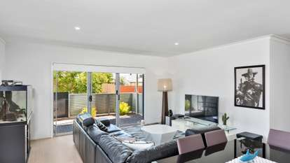 25/8 Trunnel Court, Seaford Meadows