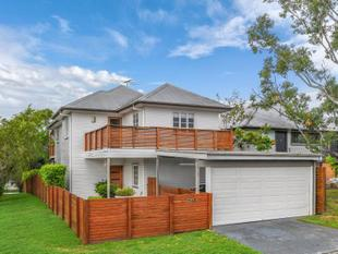 Contemporary Family Living - Ashgrove