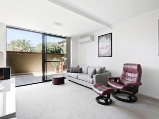 Resort-style luxury with 35sqm courtyard - Erskineville
