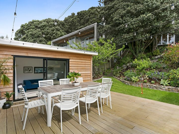312 Queens Drive, Lyall Bay, Wellington City