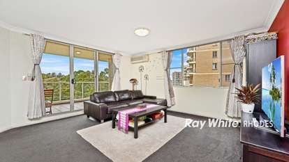 303/10 Wentworth Drive, Liberty Grove