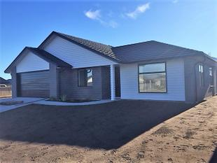Brand New Home in Golden Sands - Papamoa