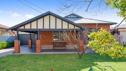 24 Ross Avenue, Flinders Park