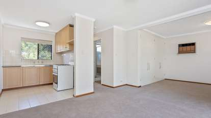 10/13 Storthes Street, Mount Lawley