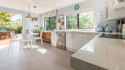 1/3 Kaurilands Road, Titirangi