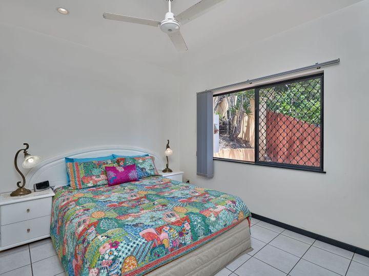 48 Summer Hill Drive, Mooroobool, QLD