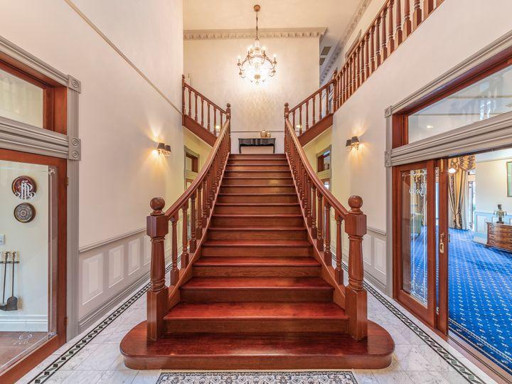 50 Dauphin Terrace, Highgate Hill, QLD