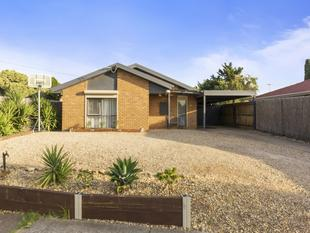 CHARMING OPPORTUNITY FOR DOWNSIZERS OR ASTUTE INVESTORS - Hoppers Crossing