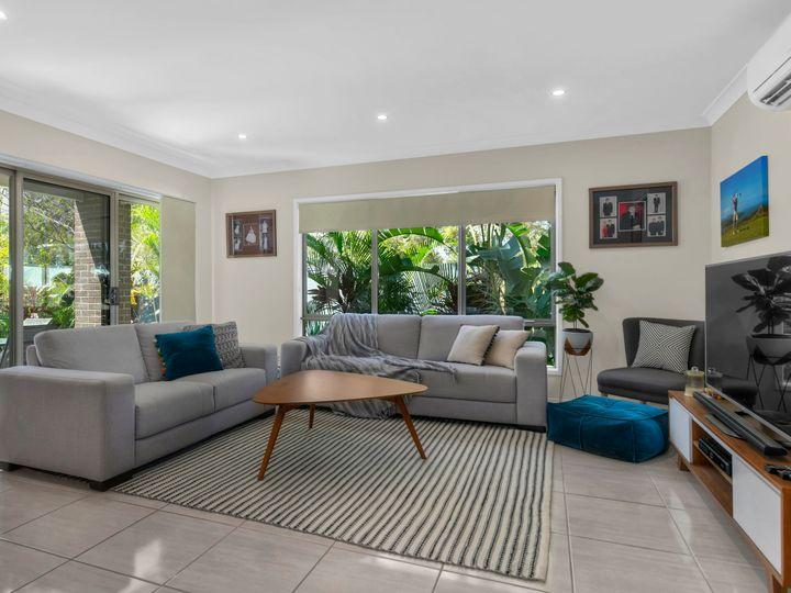 6 Serendipita Street, Bridgeman Downs, QLD